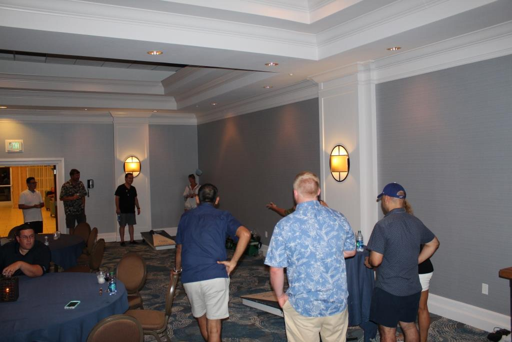 Fri - Beach party - Corn hole game 4