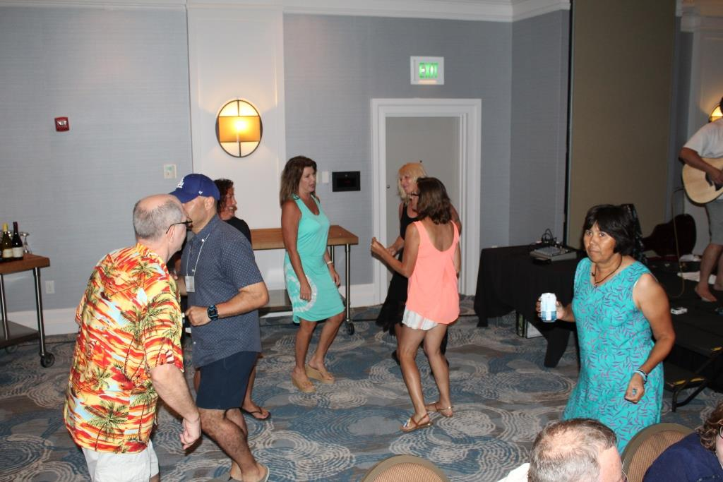 Fri - Beach party - dancing 1